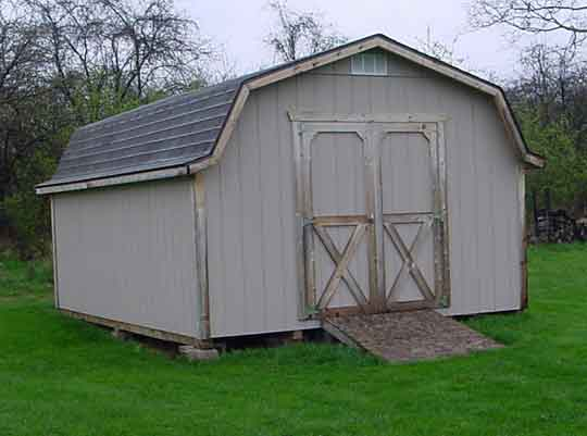 County Line Barn with 4' Side